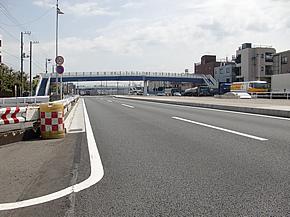 幹線道路の高機能舗装(排水性舗装 )工事