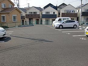 民間駐車場の舗装工事